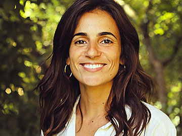Ângela Silva is an acceleration associate at MAZE - decoding impact.